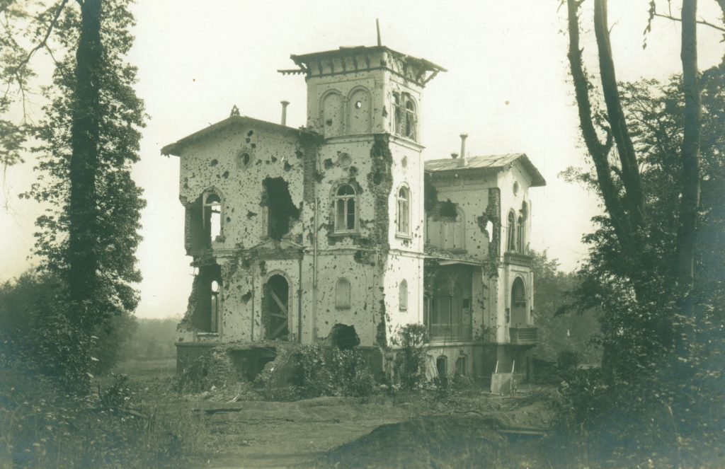 Polderhoek Chateau in 1915, from Great War Photos