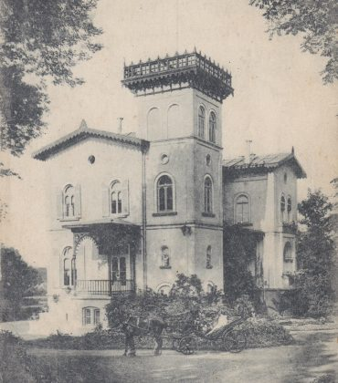 Postcard of Polderhoek Chateau, pre-WW1, from the Lemuel Lyes Collection