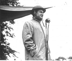 Bob Hope at Bodmin Keep, D Day, WW2, Bodmin barracks, Walker Lines, GI's, Cornwall, Bodmin, Bob Hope sings to troops at Bodmin Keep in Britiash Tin Hat.