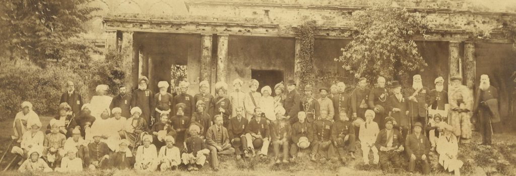 Group of British and Indian soldiers